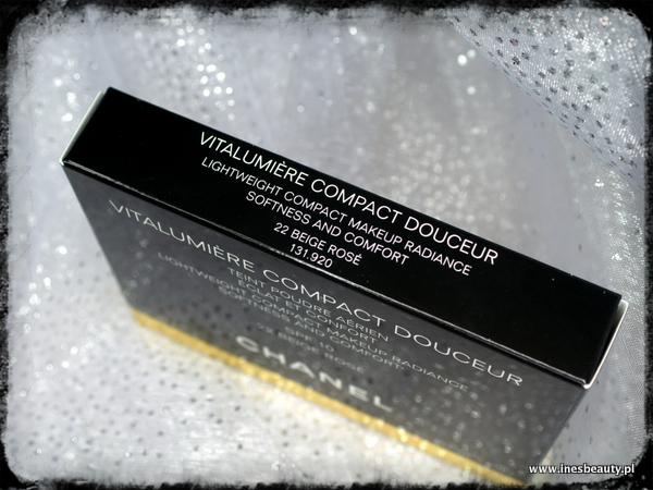 CHANEL Vitalumiere Compact Douceur