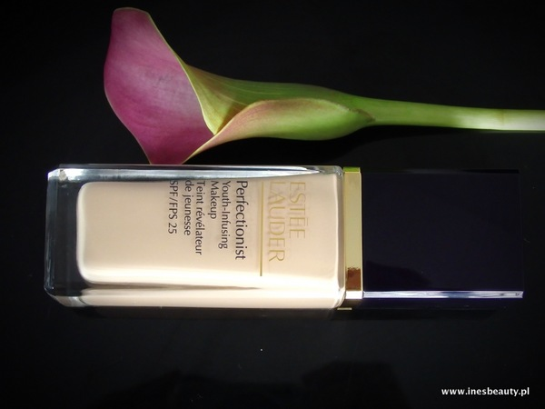 Nowość Estee Lauder Podkład Perfectionist Youth-Infusing Makeup SPF 25