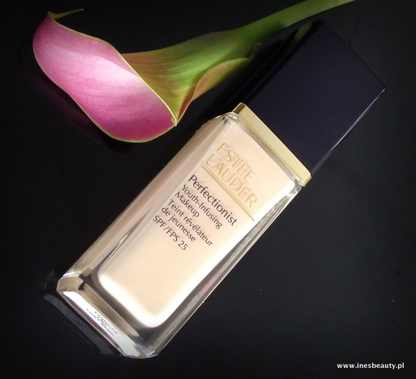 Youth-Infusing Makeup SPF 25