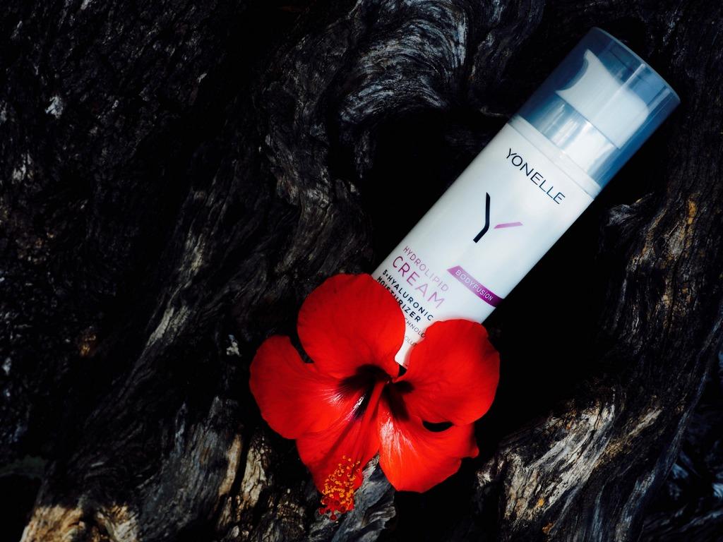 YONELLE Bodyfusion Hydrolipid Cream