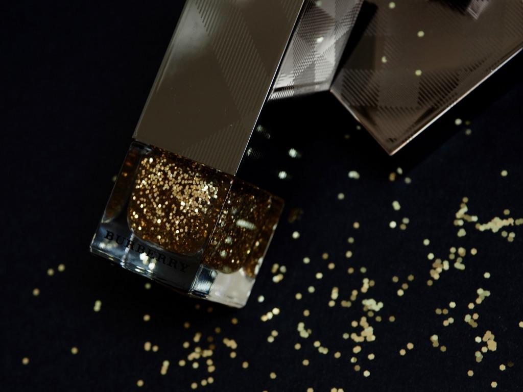 BURBERRY Gold Glitter