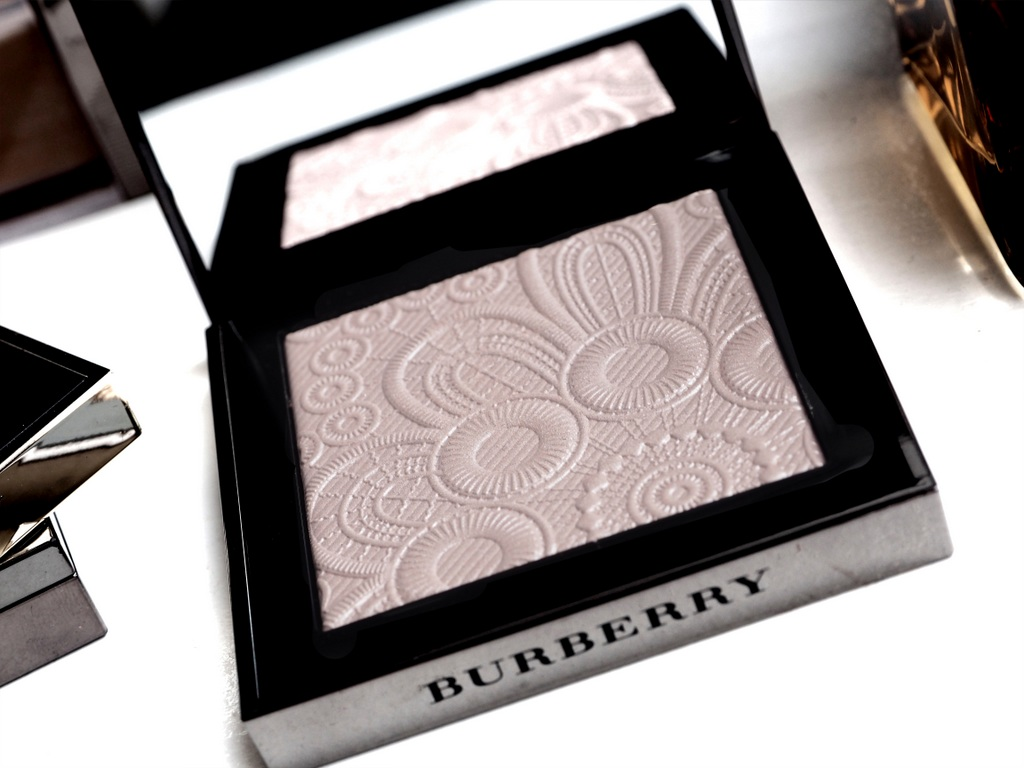 BURBERRY FRESH GLOW HIGHLIGHTERS