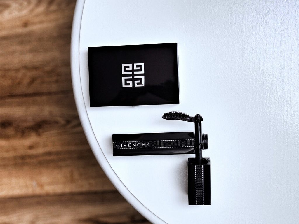 GIVENCHY NOIR INTERDIT