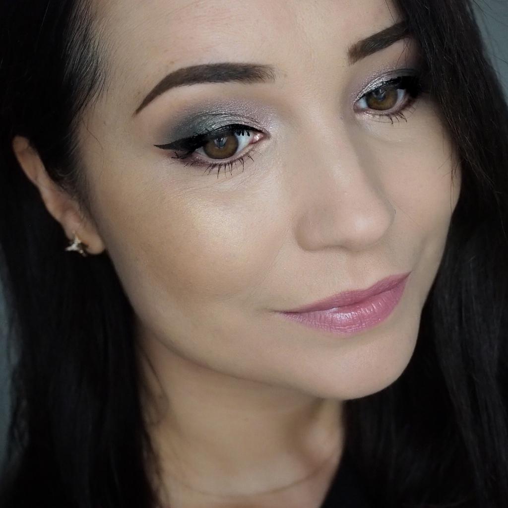 Eclectic Eyes Eyeshadow Palette!
