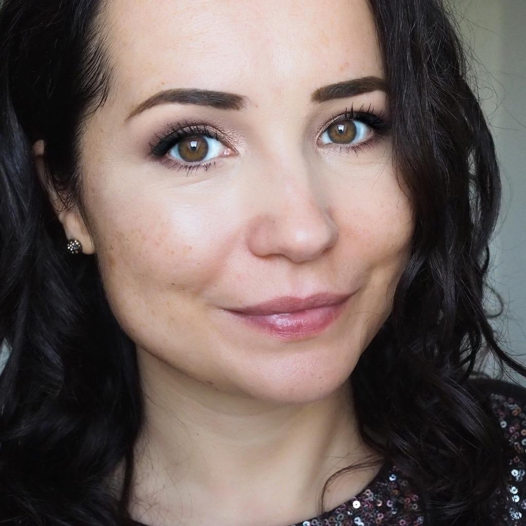 Estee Lauder Double Wear Light Soft Matte Hydra Makeup SPF 10