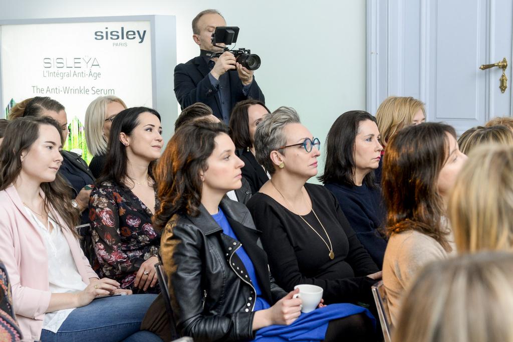 scena z: Maria Dębska, Jolanta Szamocka, Kinga Dębska, SK:, , fot. Niemiec/AKPA