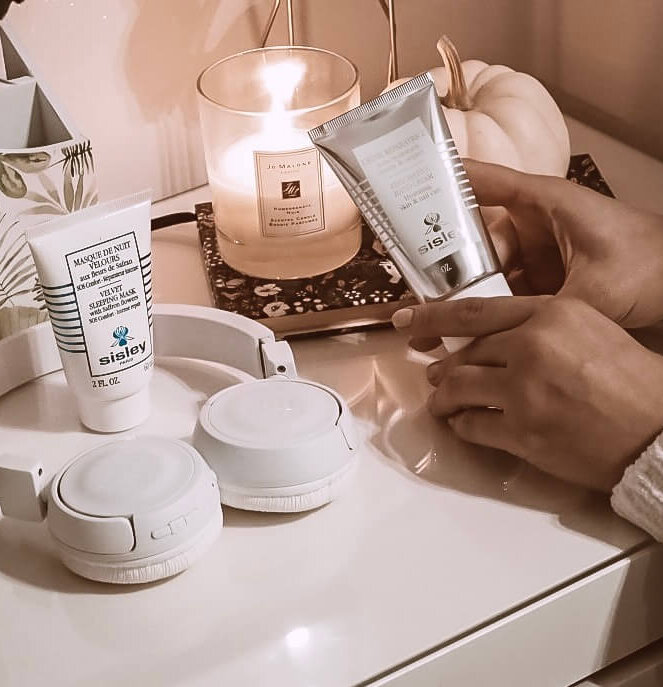SISLEY RESTORATIVE HAND CREAM Hydrating skin & nail care