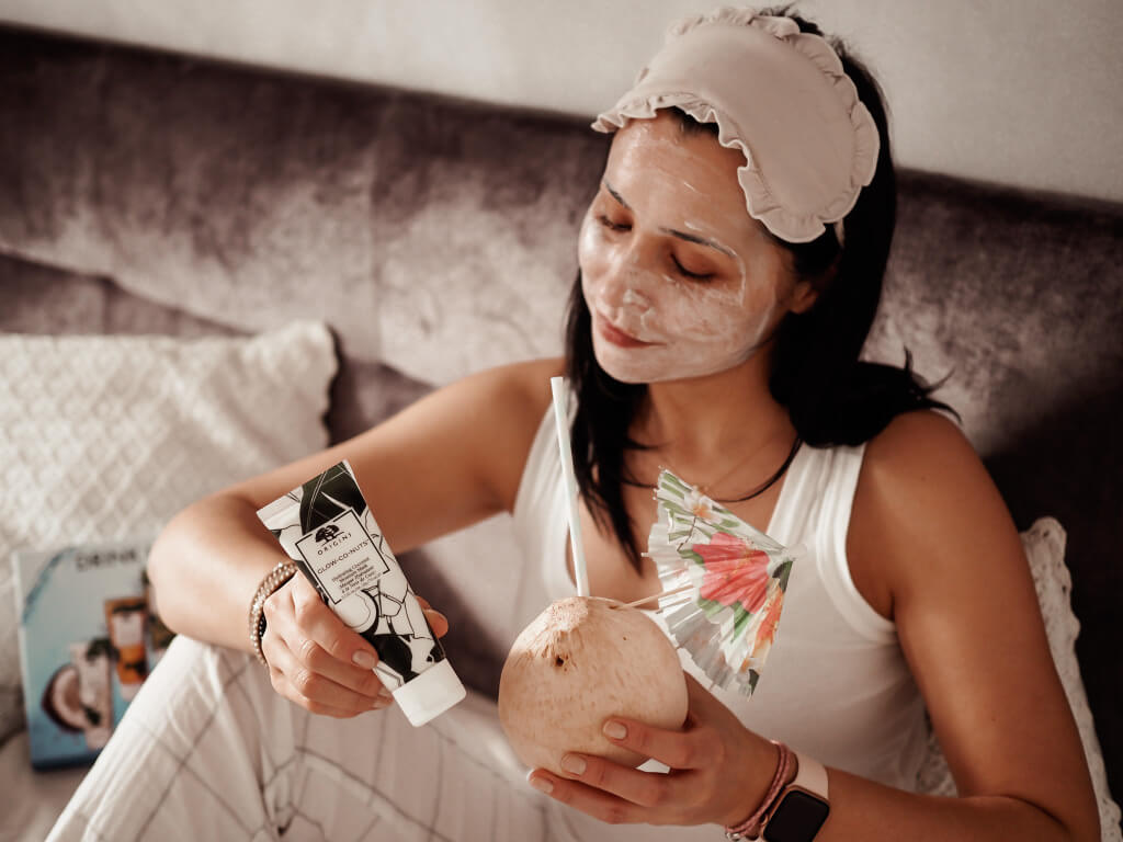 Origins Glow-Co-Nuts™ Hydrating Coconut Moisture Mask!