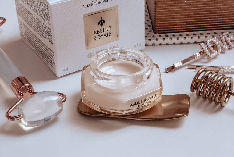 Guerlain ABEILLE ROYALE Multi-Wrinkle Corrective Eye Cream!